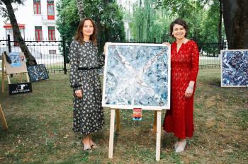 Выставка картин Лоры Павловой на дне рождении королевы 2019